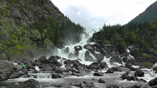 Водопад Учар на Алтае